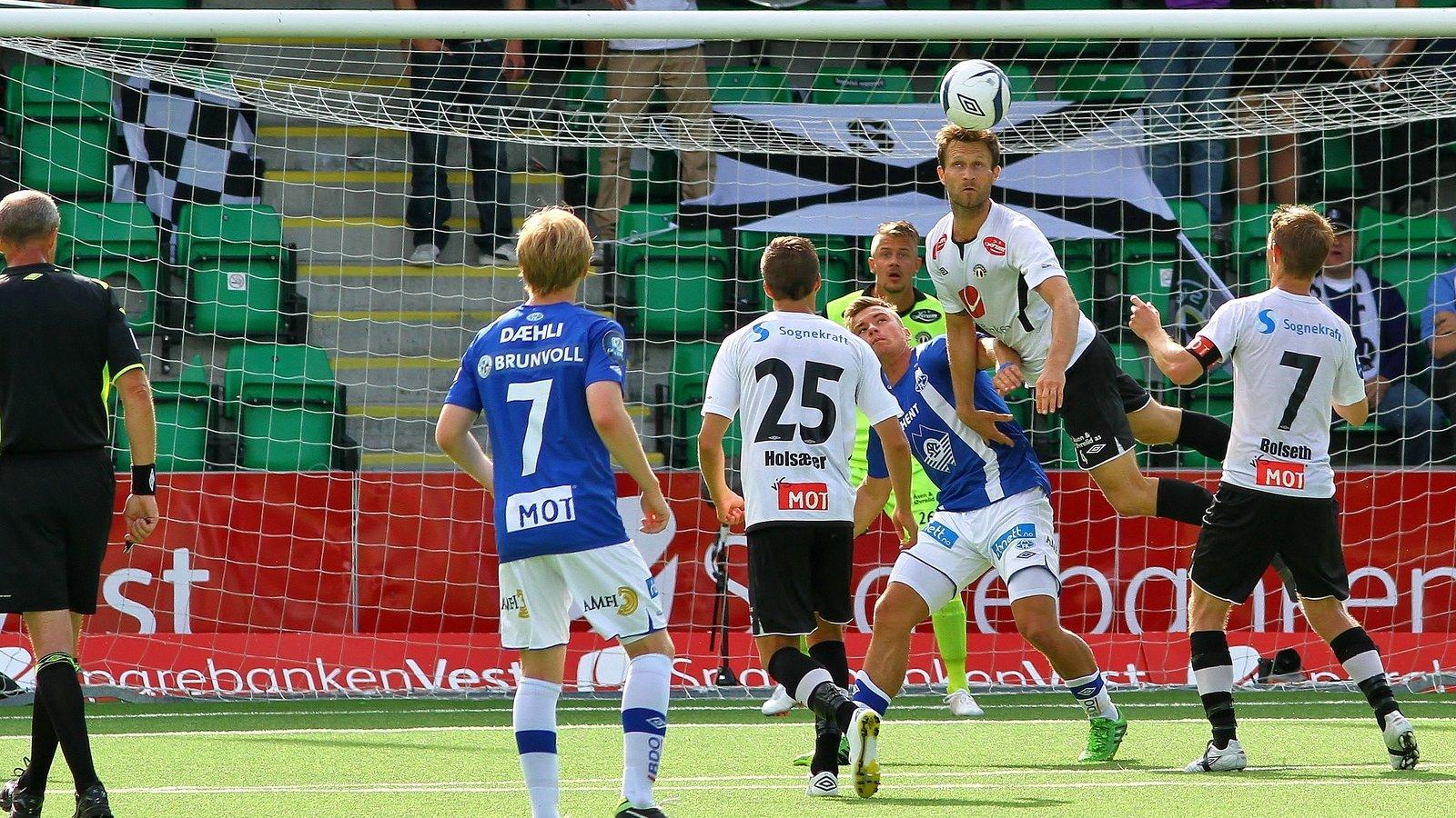 Hannu Patronen flyr høgt mot Molde